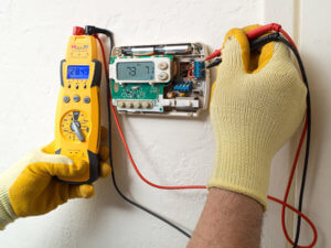 How To Reset An AC Thermostat? - Magic Touch Mechanical